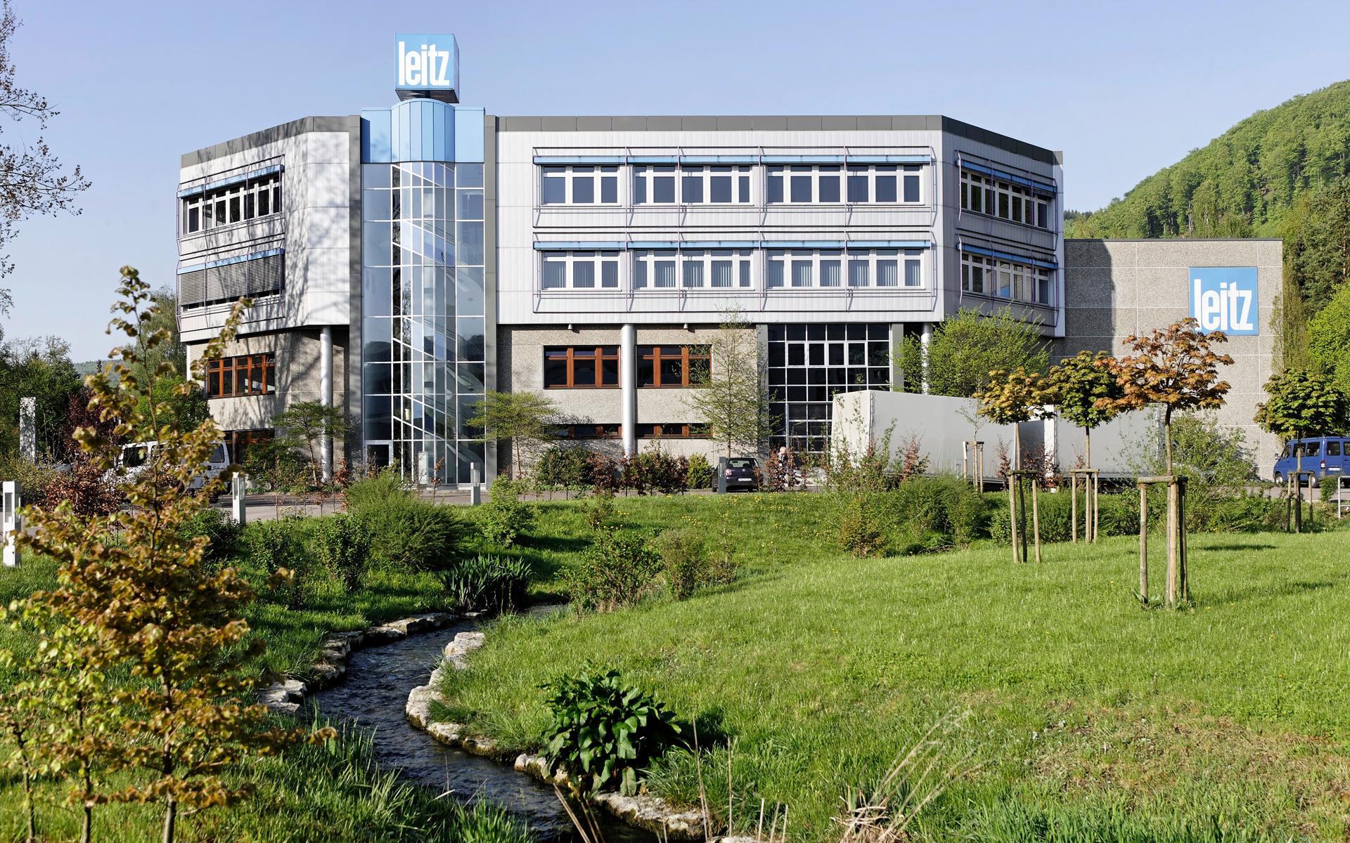 Wirtschaft in Oberkochen Leitz-Gebäude